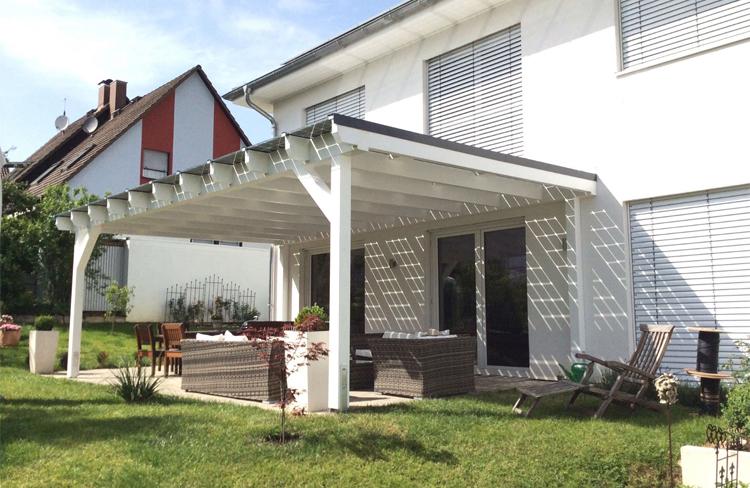Solarterrassendach - Terrassenüberdachung mit vielen Vorteilen